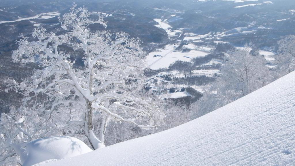 powder-snow-mountain-hokkaido-japan