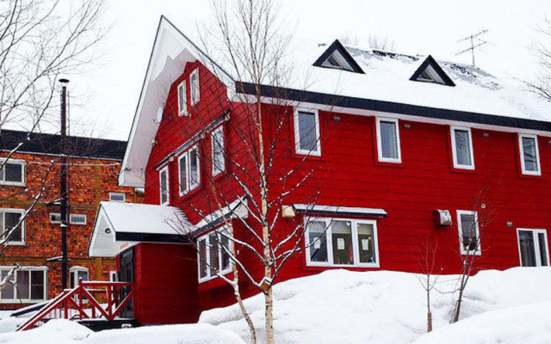 the_red_ski_house_niseko
